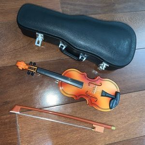 miniature violin (case included)